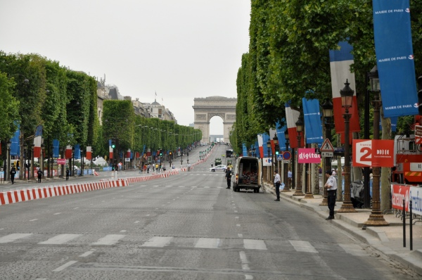 Champs Elysees empty for Le Tour